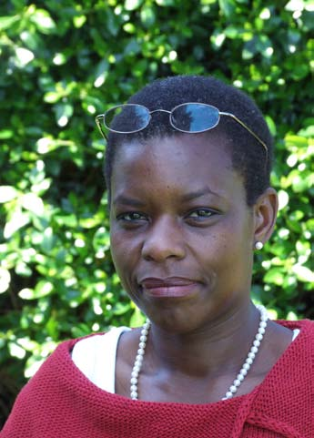 Effie Mutasa-Göttgens The goal of my research is to assist plant breeders in developing improved 'weather-resistant' crops.