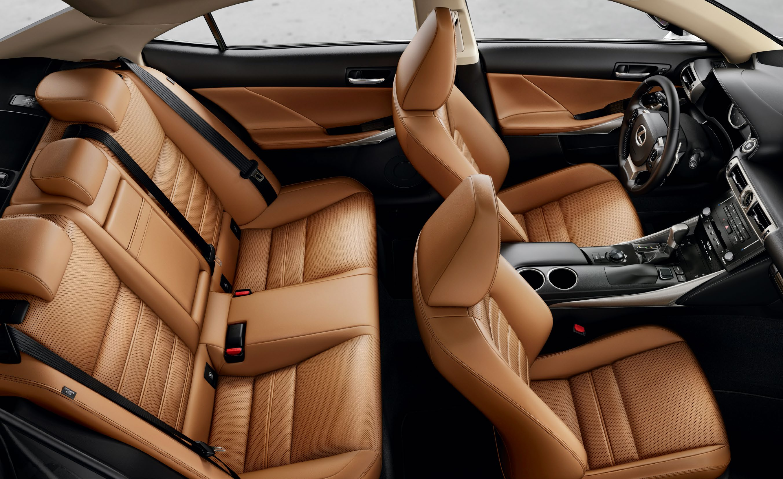 In the front, it s the liberating combination of low-set sport seating with high-tech innovation.