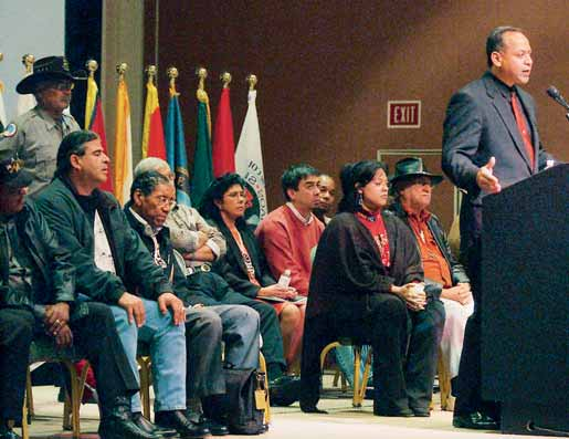HOW THE U.S. IS GOVERNED Sovereignty of Indian Tribes Matthew Thomas, leader of the Narragansett Indian tribe, addresses 24 eastern U.S. tribes at a meeting in Mashantucket, Connecticut, in 2003.