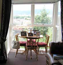 7. Individual gardens and outside areas Looking outside Many people with dementia will spend a lot of time simply looking out of the window, and if there is something to watch this can be