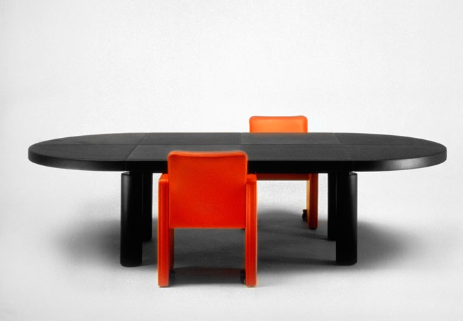 The CEO executive furniture line, shown on the next spread, features a desk with a rotating