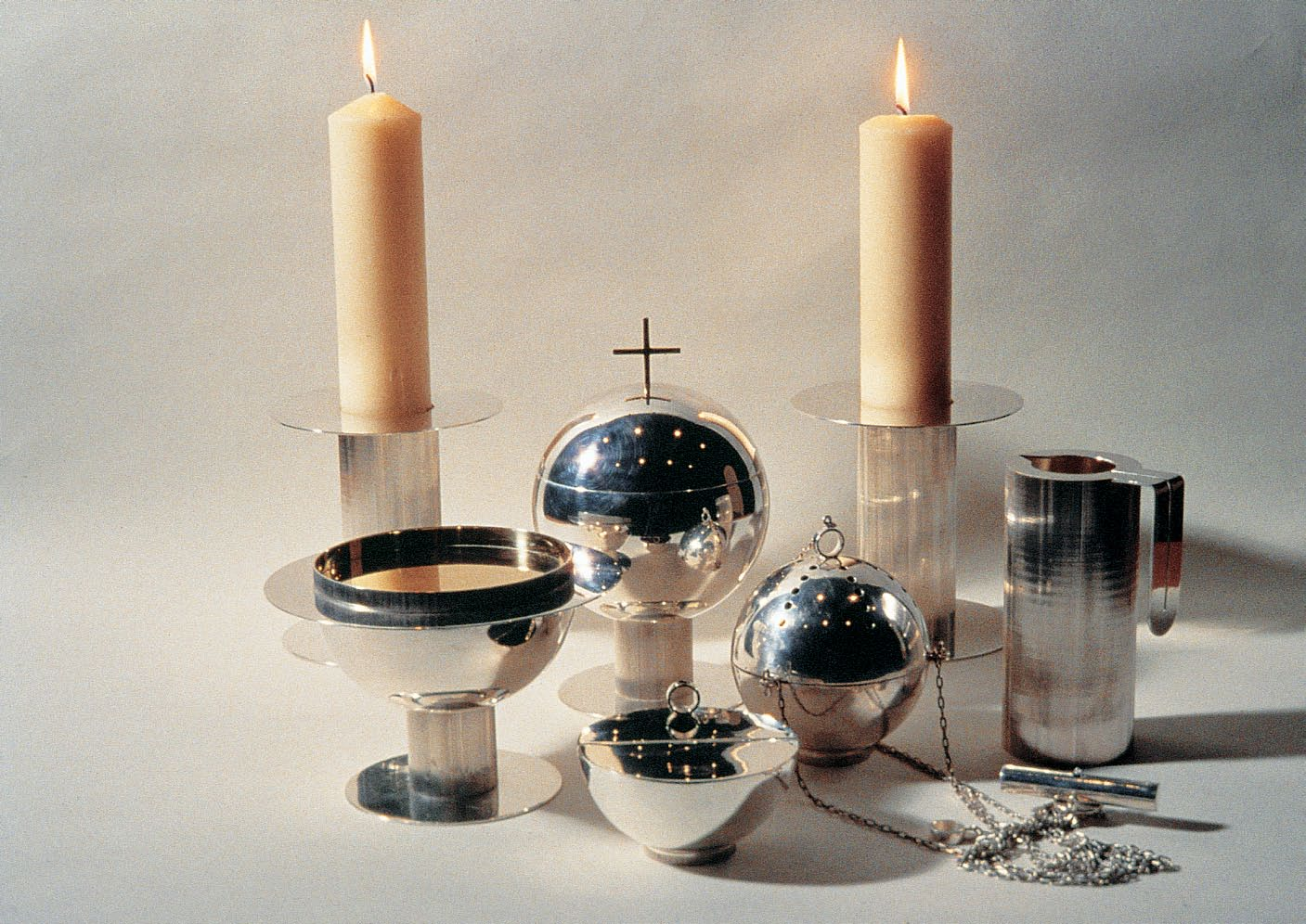 We designed this set of silver pieces as implements for the liturgical service at Saint Peter s Church.