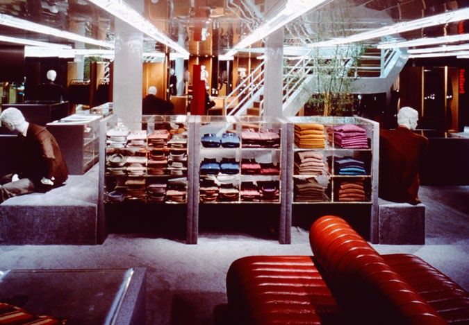 Barney s, New York. 1979/1986 We designed all the interiors, one floor at the time, for the Barney s Men s Store on Seventh Avenue in New York.