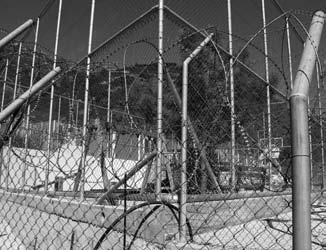 Samos: children s playground in the new detention centre Lesbos: Detention centre Pagani-Mitilini The detention centre Pagani-Mitilini is made up of a number of large warehouses.