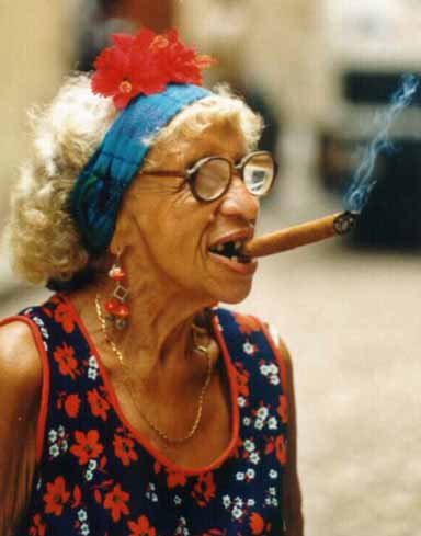 However, even cigar smokers who do not inhale still have a lung cancer risk 2-5 times higher than that of lifelong non-smokers. IV:848 themselves to very high levels of tobacco toxins.