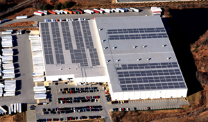 3 Staples As of the end of 2013, Staples had PV on 37 (2%) of its U.S. facilities in seven states, totaling 14 MW of capacity.