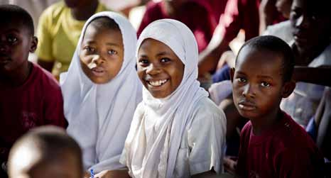 5 Students attend a class on the essentials of hygiene at a school in Dar es Salaam, United Republic of Tanzania.