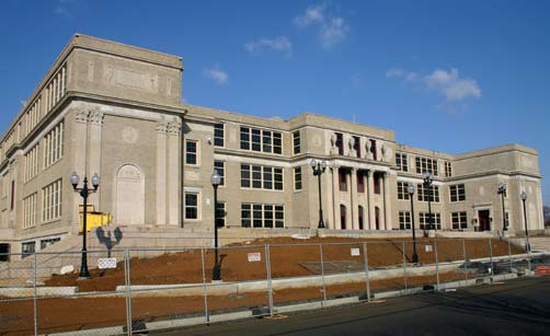 Photo: Tom Hylton; Architect: Spillman Farmer OPPOSITE PAGE: The original high ceilings in Lebanon s 1924 Henry Houck Elementary School, like those in most early 20th century schools, allow plenty of