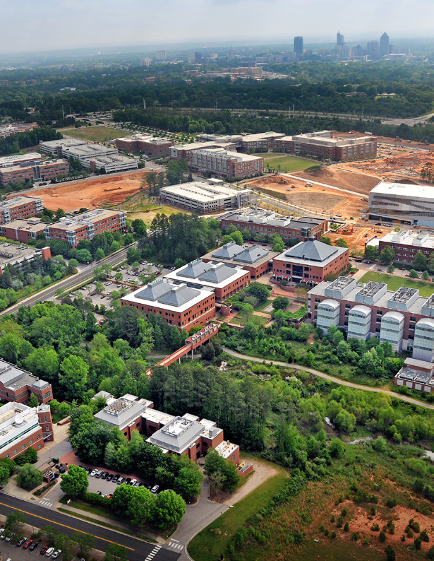 Local Leaders Cities as a Lab Innovation Districts 30 31 Research Triangle How much space do you really need for a new idea? 400 acres for an IBM laboratory? Or 25 square feet in the Smoffice?