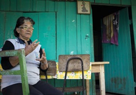 EXTREME INEQUALITY CASE STUDY THE POLITICS OF LAND DISTRIBUTION IN PARAGUAY Ceferina Guerrero at her home in Repatriación, Caaguazú (2013).
