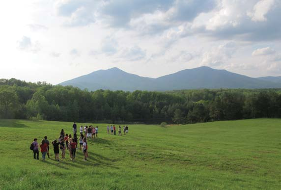 First-generation students begin a hike as part of Lynchburg College s experiential learning Expand Your Horizons program.