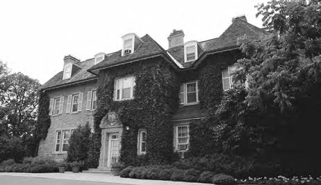 Photo: NCC/CCN The Prime Minister lives at 24 Sussex Drive, a home originally named Gorffwysfa, Welsh for a place of peace. The prime minister is appointed by the Governor General.
