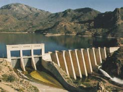 Guide on How to Develop a Small Hydro Site ESHA 2004 Buttress dams: These dams consist of a continuous upstream face that is supported by buttresses at regular intervals.