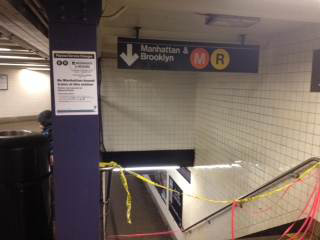 Plaza No service diversion signage was posted on-board Crowding Conditions Platforms at Steinway Street and Roosevelt Avenue