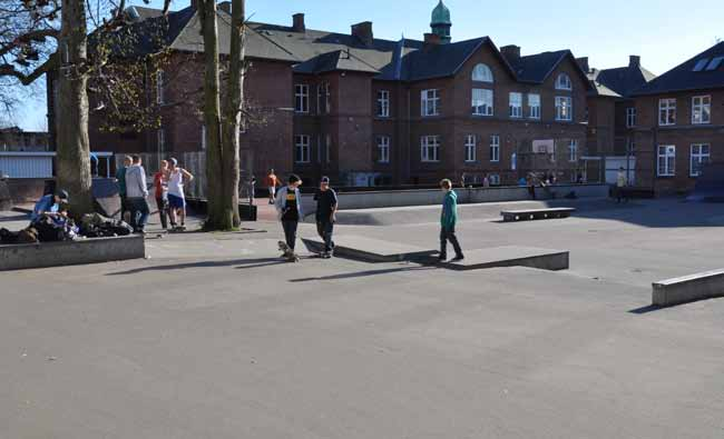 Recommendations - Planning the school yard as an open space flowing into the city can render it part of the urban space and make it possible to use the school yard at any time of day.