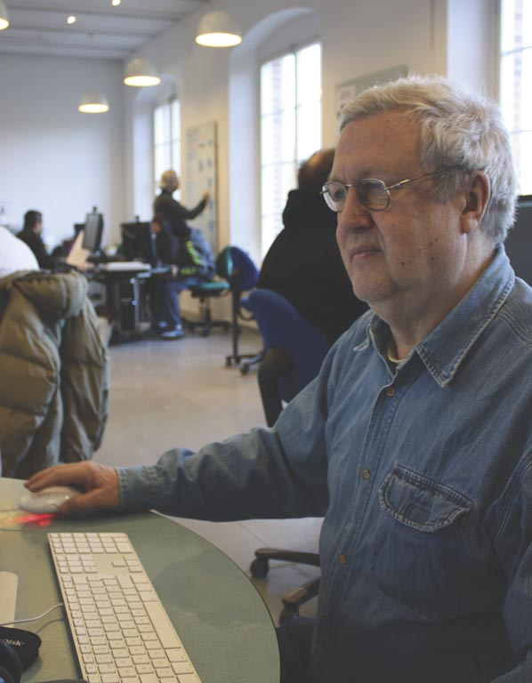 SWEDEN Investment The pensioner Jörgen came to the library for help to buy a camera online, now he scans his old