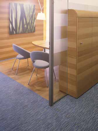 All surfaces, as well as parquet and stone coverings, can be factory- bonded to the floor panels.