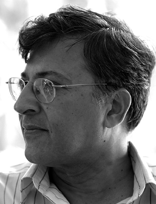 P E R V E Z AM I R A L I HO O D B HOY Pervez Amirali Hoodbhoy Not necessarily. But you must find a science-friendly, science-compatible God. First, try the pantheon of available Creators.