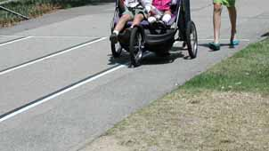 Some jogging strollers have hand brakes similar to bicycle brakes, improving stopping capabilities at higher speeds.