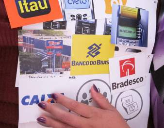 PROTOTYPES Instead of coming up with distinct products, the design team put together a full engagement strategy for Bradesco.