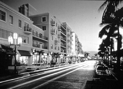 INTRODUCTION Plaza Real in Mizner Park. Photo courtesy Cooper, Carry & Associates.