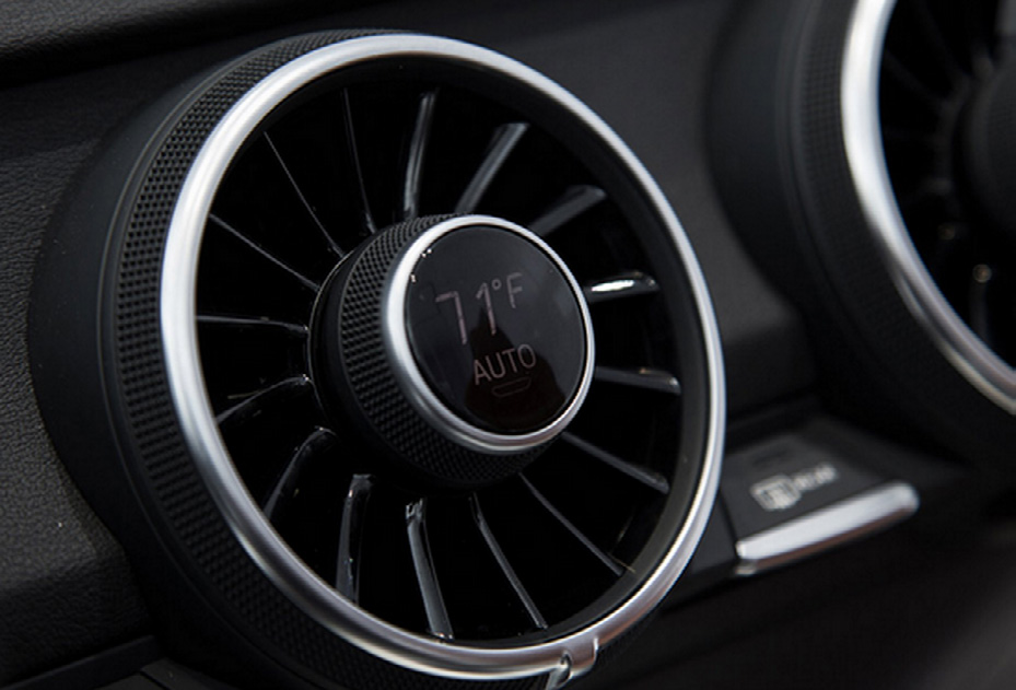 2015 Audi TT HMI with air-conditioning fans The 2015 Audi TT HMI uses the same principle, displaying this information right on the air-conditioning fans.