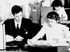 Meredith Gardner (left) In the summer of 1946, Meredith Gardner began to read portions of KGB messages that had been sent between the KGB residency (station) in New York and Moscow Center.