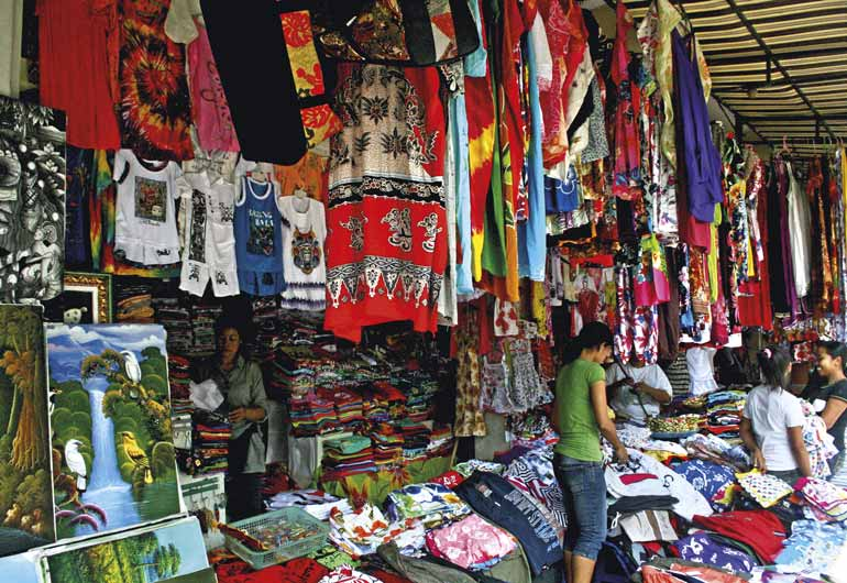SHOPPING SUKAWATI SUKAWATI ART MARKET TEXT & PHOTO BY NAMHAR HERNANTO A visit to a local market always provides fascinating insight into the culture of the Real Bali.