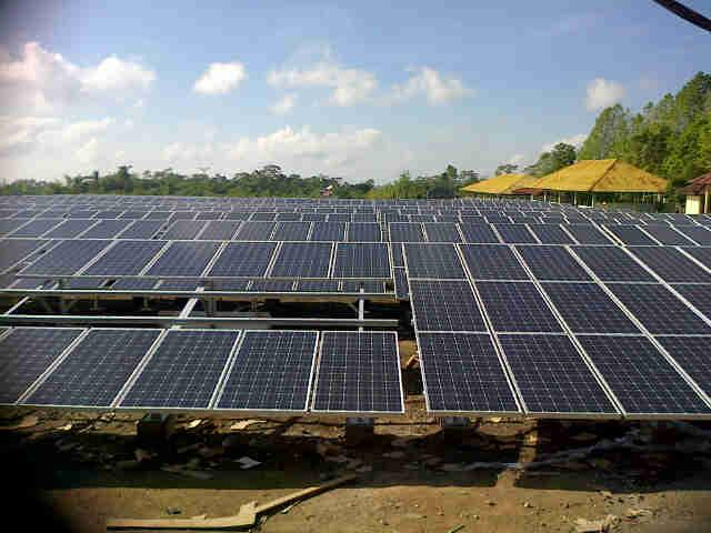 1) Increasing the share of RE use 2) Application of electricity tariff (ceiling price) for the purchase price of electricity from solar PV by PLN 3) Providing incentives for solar PV local production