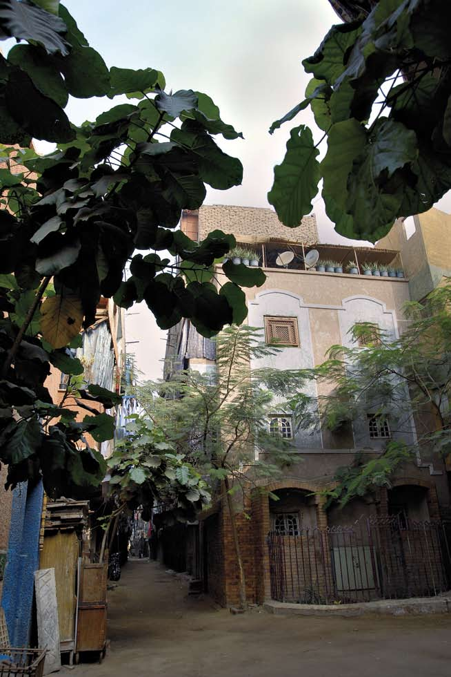 About Cairo and its Informal Areas Advantages of Living in Informal Areas Renovated houses in Boulaq al-dakrour.