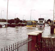 Estuarial flooding may occur due to a combination of tidal and fluvial flows, i.e. interaction between rivers and the sea, with tidal levels being dominant in most cases.