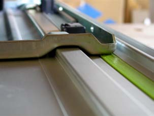 Cutting to exact size The Festool circular saws, jig saws and routers all come with a fitting that straddles an extruded hat shape in the top of each guide rail to allow the tool to move smoothly in