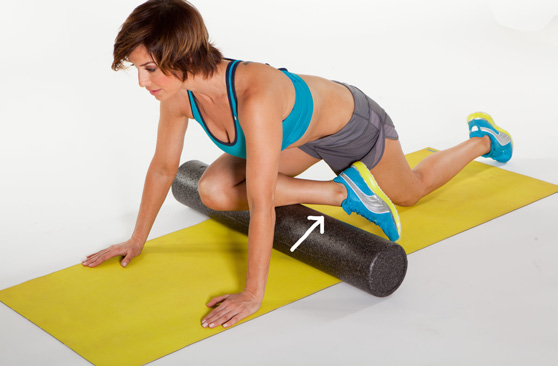 SHIN Tibialis Anterior Muscle 1) Start on your hands and knees with roller positioned under you.