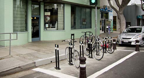 5 PATH TOOLBOX PLUG-IN COMPONENTS High-Visibility Bicycle Parking PATH PLANNING GUIDELINES Electronic Bicycle & Pedestrian Counters Goals» Provide easy-to-access and easy-to-see bicycle parking (may