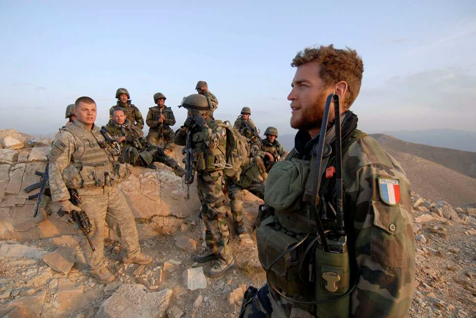 1. France has not turned a blind eye to Canada s call for help in Afghanistan Since 2002, French forces have been involved in Afghanistan, mainly in Kabul and in the regions of Kandahar (2003-2006)