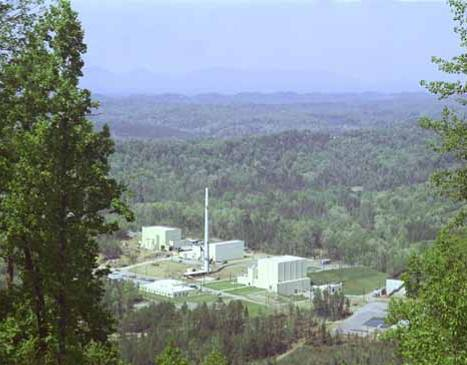 HIGH-FLUX ISOTOPE REACTOR Glenn Seaborg, the co-discoverer of plutonium, californium, and other heavy elements, was interested in the production of large quantities of californium-252, which can be