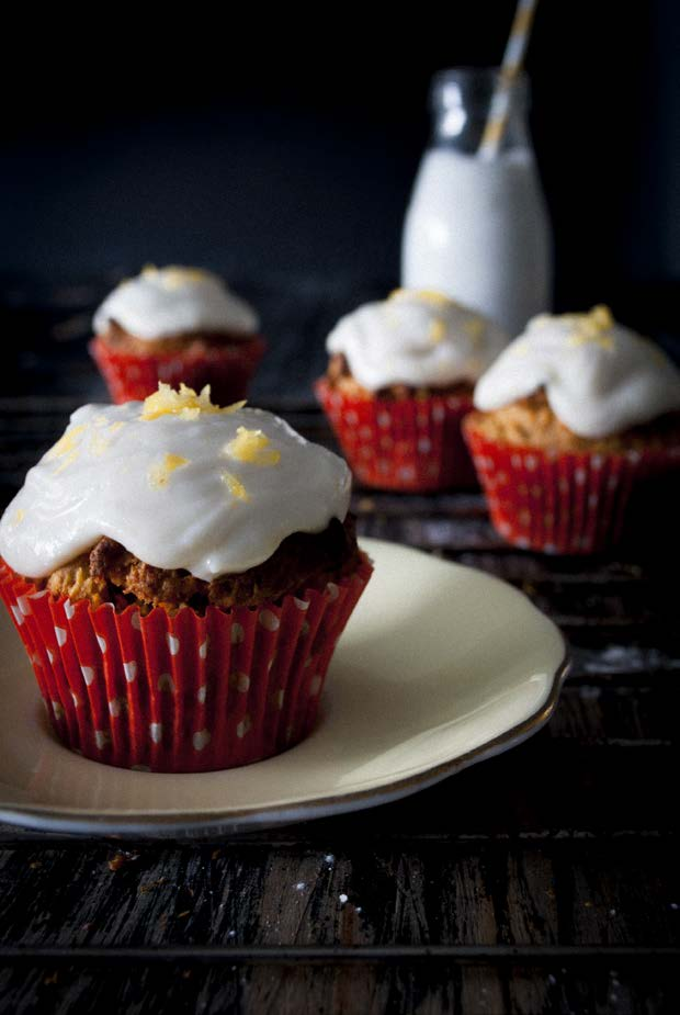 SWEET TREATS CARROT & WALNUT MUFFINS WITH LEMON FROSTING by @nancyandthewolf wolfandwillowblog.