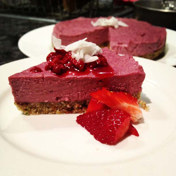 DESSERT RAW BERRY CHEESECAKE by @clairefleg burntbutter.com.au (SERVES 12) BASE: 1 cup almonds ½ cup hazelnuts ¼ cup pistachios ¼ cup walnuts 1 cup dates 1 ½ tbsp.