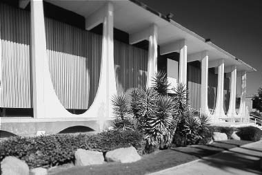 130 Niemeyer s Palace of the Dawn in Brasília (fig. 38).