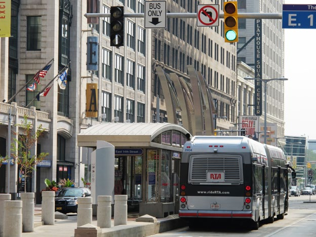 Iconic stations beautify the street in Cleveland and draw people s attention to the BRT. ITDP The Cleveland HealthLine is the only BRT corridor in the US that is ranked silver under The BRT Standard.