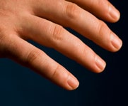 decimeter wide 1 decimeter = 100,000,000 nm (100 million nanometers) Pinky Finger A pinky finger is about 1