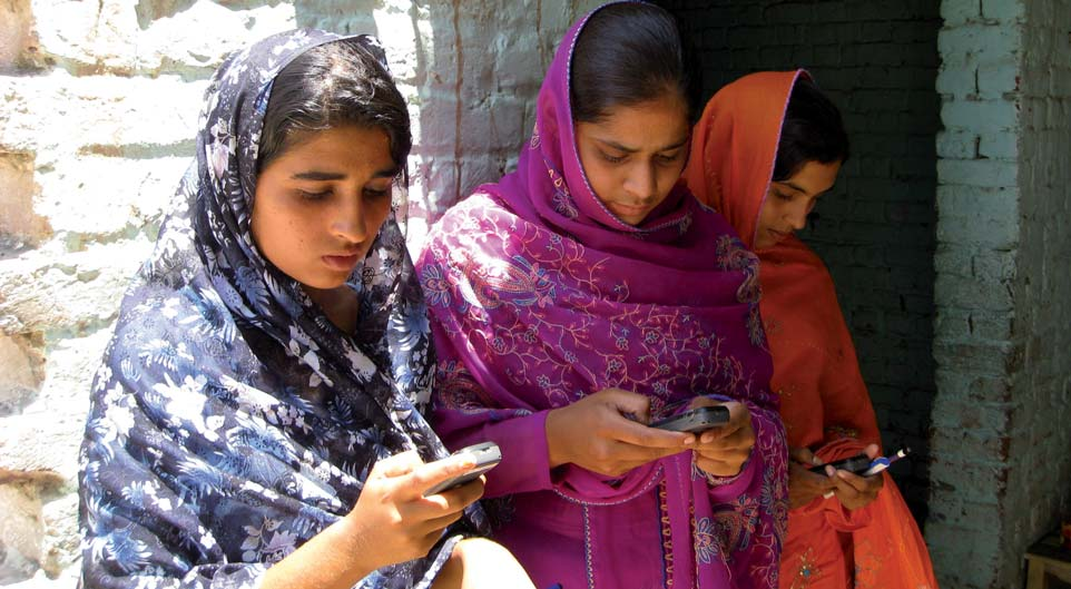 Pakistan: Mobile learning, or m-learning, is taking off among the newly literate. UNESCO s Mobile Phone Literacy project aims to empower women and girls.