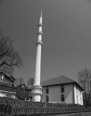 Bosnia and HERZEGOVINA 329 Photo of the Turhan Emin beg Mosque after renovation Safet Jahić explained that this height was reached quite by accident, as people were initially very generous in