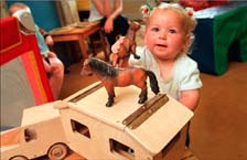 Learning experience 54: We love horses so let s be friends Theme: Exploring and Thinking, Aim 2 and Learning goal 5 Age group: Toddlers Setting: Sessional service (playgroup) Bernadette, a Traveller