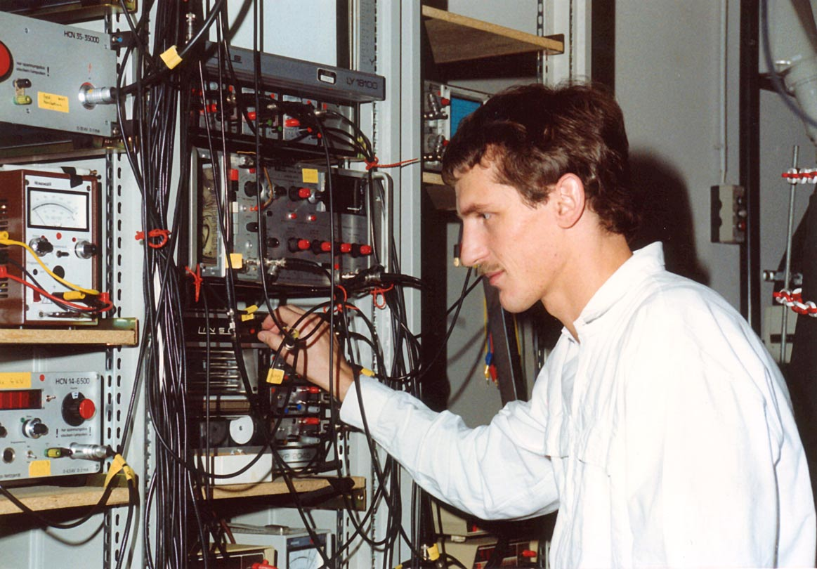 W.K. around 1988 as a postdoc at the Max-Planck Institute for Quantum Optics. of a new molecule like in the old days when molecular spectroscopy was established. After earning my Ph.D.