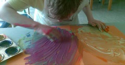 Art therapy invites relaxation through use of pleasurable material and stimulation and motivation through use of sensory material Choice and the use of