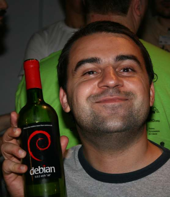 HOLGER LEVSEN PICTURE BY AIGARS MAHINOVS faces of the Debian crowd and comments on the net. This wine is now available from a webshop until all is sold out. See http://wiki.debian.