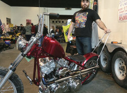 Local Bike Wins in Syracuse Tony Marinaro s 1981 Shovelhead took First in Class this February at Syracuse Cycle Expo 2015 Here s the back story from Tony: This is my bike. It's a 1981 shovelhead.