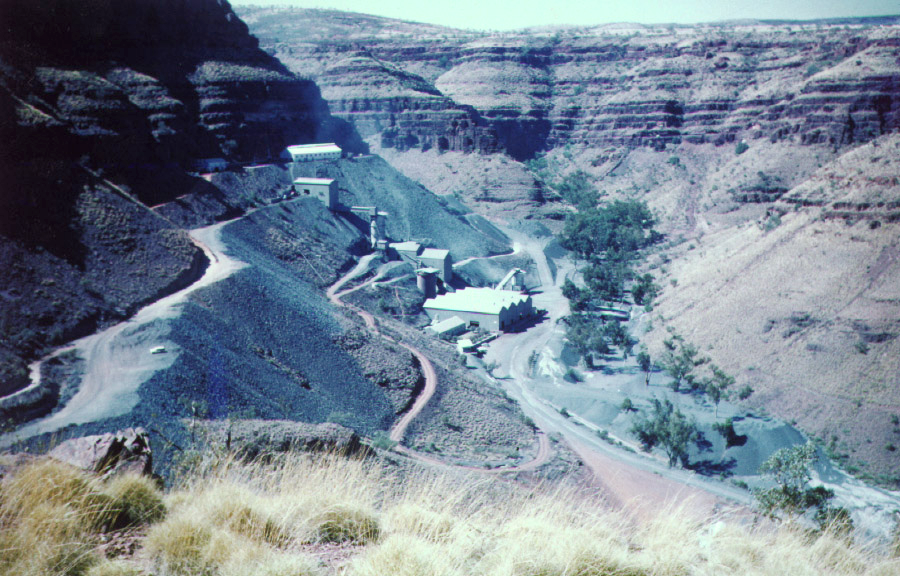Support and Counselling of Asbestos Disease Victims Introduction The Blue Asbestos mine at Wittenoom Gorge has left Western Australia with the dubious distinction of having the highest per capita