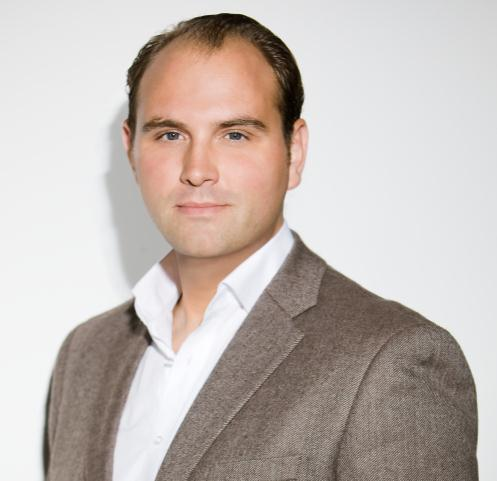 3 New e-commerce incubator in Berlin led by strong team Uli Erxleben Previously MD USA at Rocket Internet Interim-CEO of 3 ventures Adrian Frenzel Previously senior engagement manager at McKinsey 5
